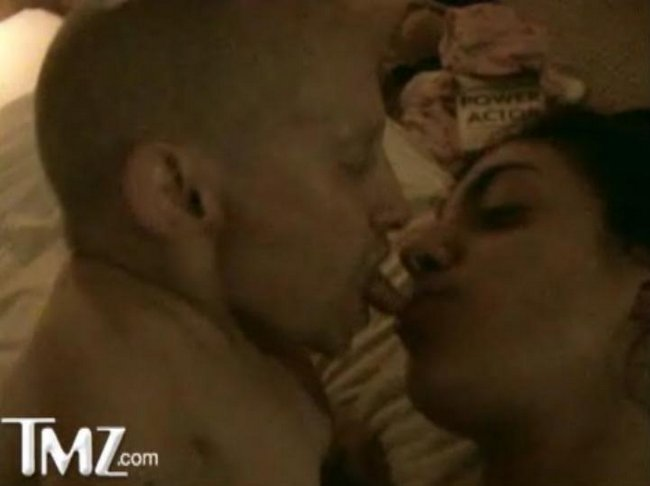 lips-verne-troyer-sex-tape-streaming-candid