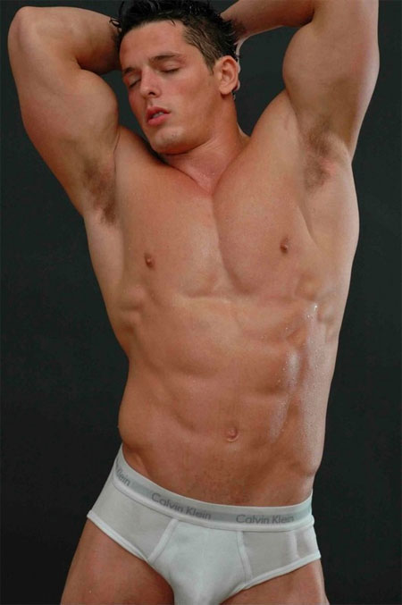 Big Brother 10′s Jessie Godderz is nude and might be gay.