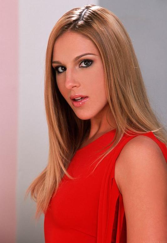 Lauren Phoenix