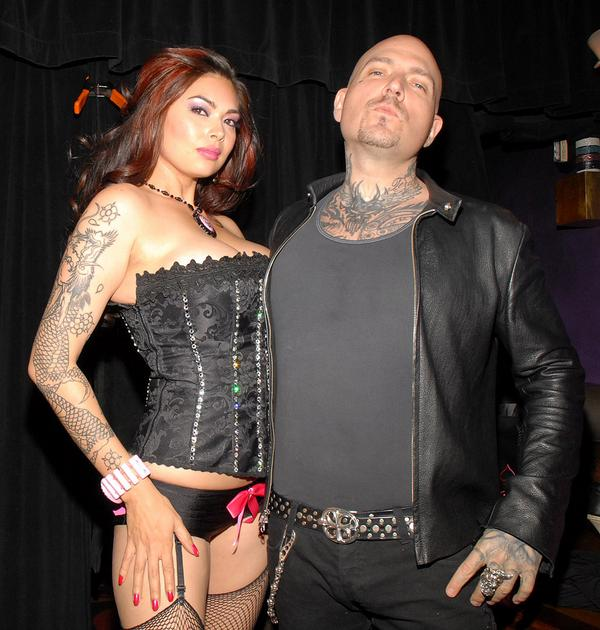 BIOHAZARD'S EVAN SEINFELD CHOSE PORN OVER WIFE