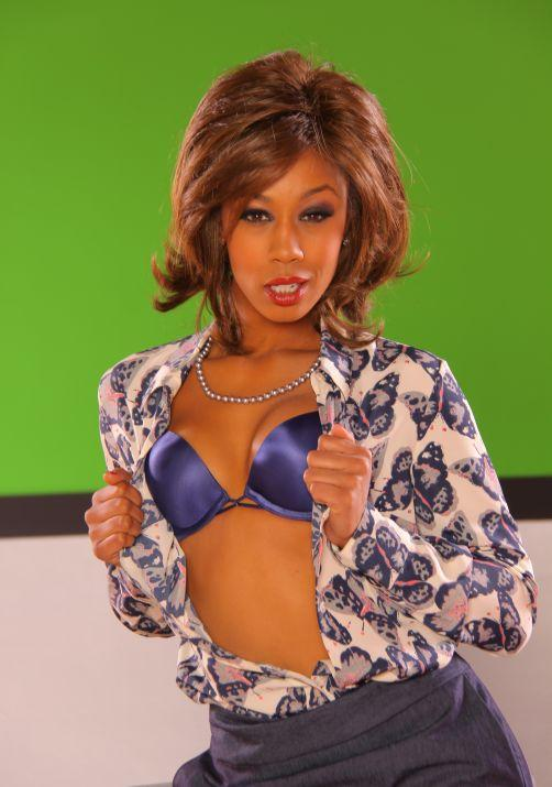 Press Release: Critics and fans worldwide are raving over Misty Stone.